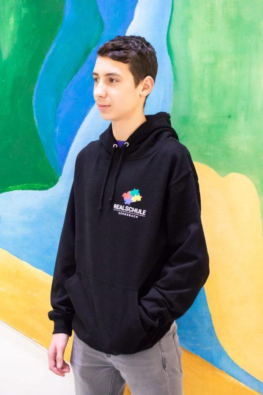 Sweater / schwarz